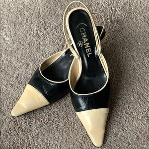 CHANEL vintage heel 😍